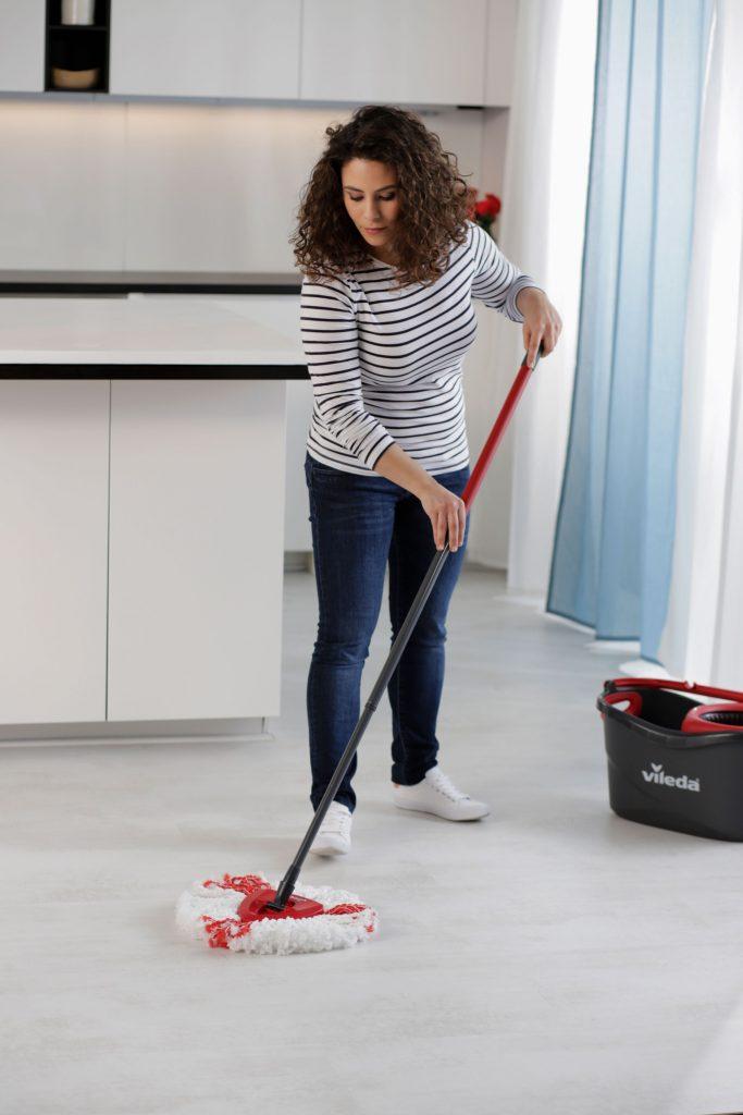 czyste podłogi